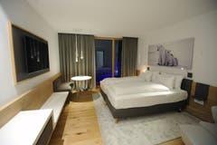 Der Blick in ein Hotelzimmer (Bild: Urs Hanhart (Andermatt, 11. Dezember 2018))