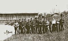 Die Holzbrücke beim Bruggerhorn mit Grenzwachthäuschen aus dem Jahre 1916. (Bild: Archiv/Hans Vorburger)