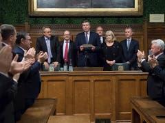 Verliest das Resultat der Abstimmung: Graham Brady, der Vorsitzende des zuständigen Parteikomitees. (Bild: KEYSTONE/AP PA/STEFAN ROUSSEAU)