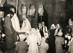 Die Sternsinger sammelten danach weiter Geld für zusätzliche Kostüme und neue Laternen (Bild: Chronik der Sternsinger 1948 (Stadtarchiv/D131))