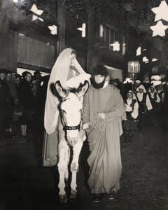Schon 1948 hatten Maria und Josef einen Esel dabei. (Bild: Chronik der Sternsinger (Stadtarchiv/D131))