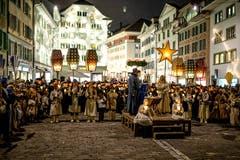 Und noch immer sind es um die 60 Darsteller, die jedes Jahr mitmachen. (Bild: Philipp Schmidli (23. Dezember 2017))