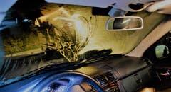 Entlebuch - 12. DezemberKein Durchblick: Die Polizei stoppt diesen Gucklochfahrer.