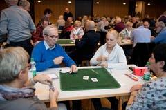 Doris Bisang, Peter Huber, Maya Gwerder und Theres Schöpfer (von links) während einem Spiel. (Bild: Corinne Glanzmann (Hochdorf, 16. Dezember 2018))