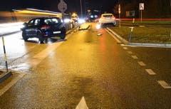 Sursee - 17. Dezember 2018Ein Autofahrer möchte auf die Autobahneinfahrt in Richtung Luzern einmünden. Dabei kollidiert er mit einem entgegenkommenden Auto. Beide Autolenker wurden verletzt mit der Ambulanz ins Spital gebracht. Der Sachschaden beträgt rund 43'000 Franken. (Bild: Luzerner Polizei)