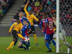Basel und die Young Boys boten sich einen intensiven und unterhaltsamen Spitzenkampf mit dem besseren Ende für die Gäste aus Bern (Bild: KEYSTONE/GEORGIOS KEFALAS)