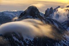 Die Nebelwelle zwischen Staubern und Saxerlücke (Bild: Marc Bollhalder)