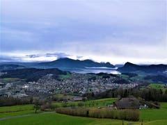 Trotz Wolken am Himmel hat man eine wunderbare Aussicht auf Horw und den Vierwaldstättersee. (Urs Gutfleisch (23. Dezember 2018))