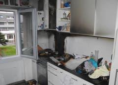 Altendorf - 23. DezemberWegen Öl, das in einer auf dem Herd vergessenen Pfanne zu brennen angefangen hat, hat es am Sonntagnachmittag in einer Wohnung in Altendorf gebrannt. (Bild: Kantonspolizei Schwyz)