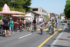 6. Mai: Tausende von Velofahrern, Joggerinnen, Inlineskatern und Fussgängerinnen geniessen die autofreien Hauptstrassen am Slow-up Werdenberg-Liechtenstein. Bild: Heini Schwendener