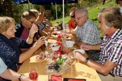 30. September: Entlang des Trübliwegs in Sax und Frümsen wird das traditionelle Winzerfest gefeiert. Bild: Heidy Beyeler