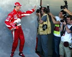 Michael Schumacher (Ferrari) bei einem Pressetermin in Australien. (Bild: Keystone/EPA/Kerim Okten, 6. März 2005)