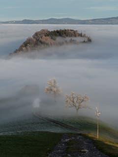 Nebelmeer mit Nebelschwaden auf dem Weg um Kriens. (Bild: Theres Nussbaumer, 27. Dezember 2018)