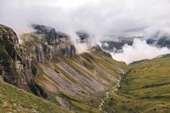 Hier oben in den Schwyzer Alpen nimmt die Muota ihren Ursprung. (Bilder: Stefan Zürrer)