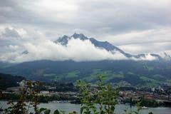 Regen über Luzern, vom Dietschiberg aus gesehen. (Bild: Josef Habermacher, 3. Dezember 218)