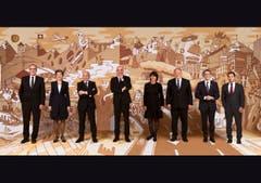 2018 (von links): Guy Parmelin, Simonetta Sommaruga, Ueli Maurer, Bundespräsident Alain Berset, Doris Leuthard, Johann Schneider-Ammann, Ignazio Cassis, Bundeskanzler Walter Thurnherr.