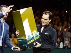 Die älteste Nummer 1 der Geschichte: Roger Federer erklomm mit 36 Jahren noch einmal die Spitze des ATP-Rankings (Bild: KEYSTONE/EPA ANP/KOEN SUYK)