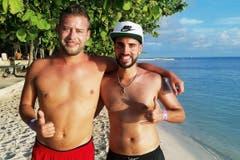 Stefano Lotti (30) und Stefano Navarretta (31) haben ihr Haus in Liestal verkauft und wollen nach Mexiko. Bild: SRF
