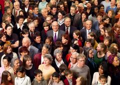 Ein Suchbild im Jahr 2008 (von links): Eveline Widmer-Schlumpf, Moritz Leuenberger, Micheline Calmy-Rey, Bundespräsident Pascal Couchepin, Samuel Schmid, Doris Leuthard, Hans-Rudolf Merz, Bundeskanzlerin Corina Casanova.