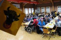Noch herrscht Zuversicht am Public-Viewing in Erstfeld. (Bild: Urs Hanhart)