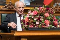 Bundesrat Ueli Maurer freut sich nach seiner Wahl zum Bundespraesidenten 2019 durch die Vereinigte Bundesversammlung. (Bild: KEYSTONE/Peter Schneider)