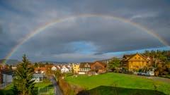 Regenbogen über dem unteren Seetal (Bild: Gildo Moscatelli (Gelfingen, 4. Dezember 2018))