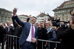 Die Nidwaldner empfangen Hans Wicki auf dem Bundesplatz in Bern. (Bild: Corinne Glanzmann, 05. Dezember 2018)