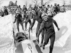Früher waren die Schweizer Bobfahrer Medaillengaranten: Jean Wicki, Edy Hubacher, Hans Leutenegger und Werner Camichel (v. r.) gewannen 1972 im Vierer Gold (Bild: KEYSTONE/STR)