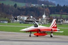 Flugverkehr mit der Patrouille Suisse (Bild: Xaver Husmann (Emmen, 7. Dezember 2018))