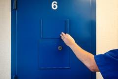 Untersuchungshaft gilt als strengstes Haftregime des schweizerischen Rechtssystems. 23 Stunden pro Tag verbringt ein Häftling in der Zelle.