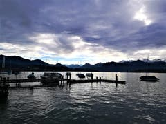 Wunderbar mystische Morgenstimmung am Seebecken des Vierwaldstättersees. (Bild: Urs Gutfleisch (Luzern, 7. Dezember 2018))