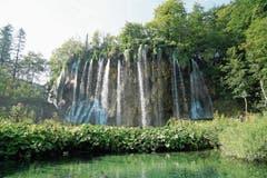Der Nationalpark ist wegen seiner 16 Seen bekannt. Diese sind durch Wasserfälle miteinander verbunden.