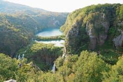 Auf rund 295 Quadratkilometern erstreckt sich der Nationalpark Plitvicer Seen in der Region Lika.