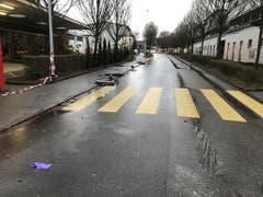 Ein Lieferwagen geriet in Bad Zurzach auf das Trottoir und tötete eine Fussgängerin (Kantonspolizei AG).