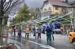 Der Wiänachtsmärcht in Stans musste wegen des Sturms abgebrochen werden. (Bilder: Franziska Herger (Stans, 8. und 9. Dezember 2018))