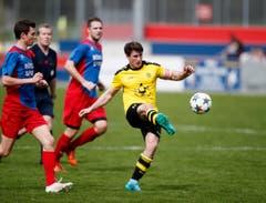 Ronny Mazenauer vom FC Baar am Ball. (Bild: Stefan Kaiser / Neue ZZ)