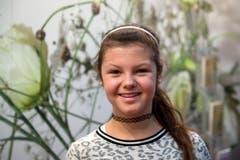 «Floristin ist nicht mein Wunschberuf. Meine Favoriten sind Zeichnerin und Dekorationsnäherin», sagt Michelle Kempf (13) aus Seedorf. (Bild: Nadia Schärli / Neue LZ)