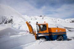 In rund einem Monat, am 22. Mai, soll der Gotthard-Pass für den Verkehr wieder geöffnet werden. (Bild: Keystone)