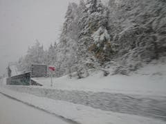 Schnee in Göschenen (Bild: Leser Enrico Mahler)