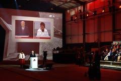 Bundespräsident Johann Schneider-Amman spricht in Rynächt, Doris Leuthard in Pollegio. (Bild: Nadia Schärli)