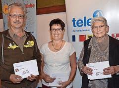 Die Sieger von Schüpfheim (1.–3. Platz): Stefan Schindelholz (links), Margrit Hurni und Berta Schmid. (Bild: Claudia Surek)