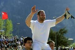 Benji von Ah gewinnt beim Urner Kantonalschwingfest. (Bild: Keystone)