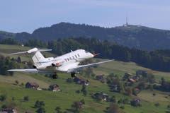 Der PC-24 schwebt in der Luft. (Bild: Pilatus Aircraft Ltd)