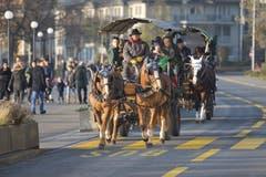 """Eine Kutsche fährt zum """"Märlisunntig"""". (Bild: Maria Schmid / Neue ZZ)"""