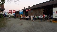 Das Littauer-Fest auf dem Littauer Berg war ein voller Erfolg. Auch nach dem Entzünden des grossen Feuerwerks um Mitternacht blieben noch viele Gäste, zum Teil bis um 3.00 Uhr morgens (Bild: Peter With)