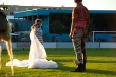 Das Theater Aeternam spielt am Mittwoch das Stück Ödipus auf dem Gelände des FC Kickers. (Bild: Dominik Wunderli (Neue LZ))