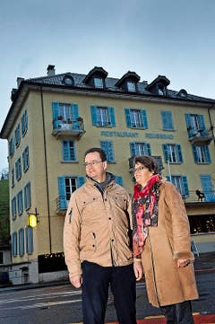 Restaurant Reussbad Raphael und Marie-Louise Tuor vom Gasthaus Adler in Nebikon (17 Gault-Millau-Punkte) übernehmen ab 1. Mai das Traditionslokal Reussbad (Brüggligasse 19). Damit erfüllen sie sich einen lange gehegten Traum. (Bild: Pius Amrein / Neue LZ)
