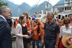 Frau Landammann Heidi Z'graggen begrüsste Bundespräsident Burkhalter an der Tellsplatte. (Bild: PD)