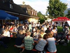 Volksfeststimmung herrschte an der 1. August-Feier in Stansstad, die wie üblich einen Tag früher stattfand. (Bild: Kurt Liembd / Neue NZ)