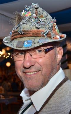 Ruedi Heer trug einen auffällig verzierten bayrischen Hut. (Bild: Claudia Surek)